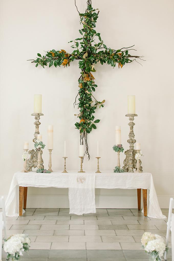 Graceful Cross Altars