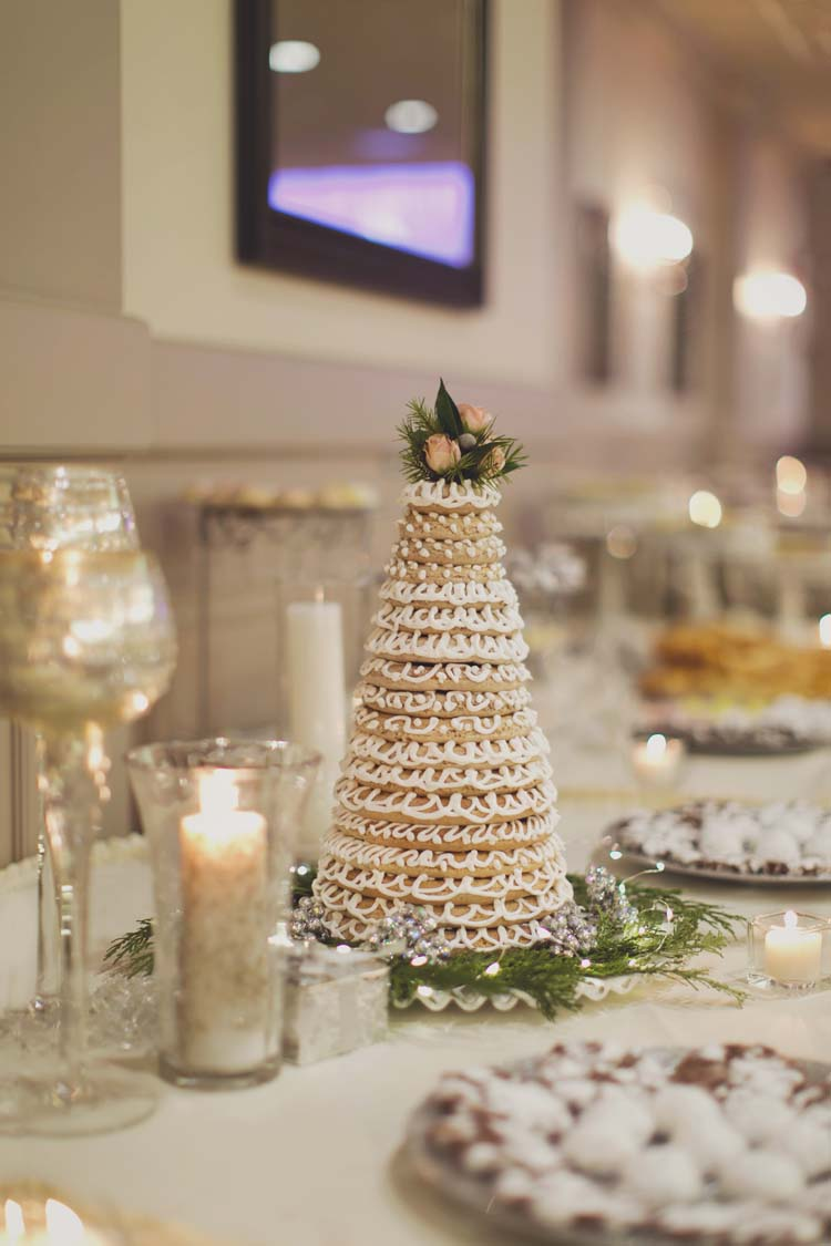 norwegian wedding cake minneapolis winter white wedding with southern details i do y all 17927