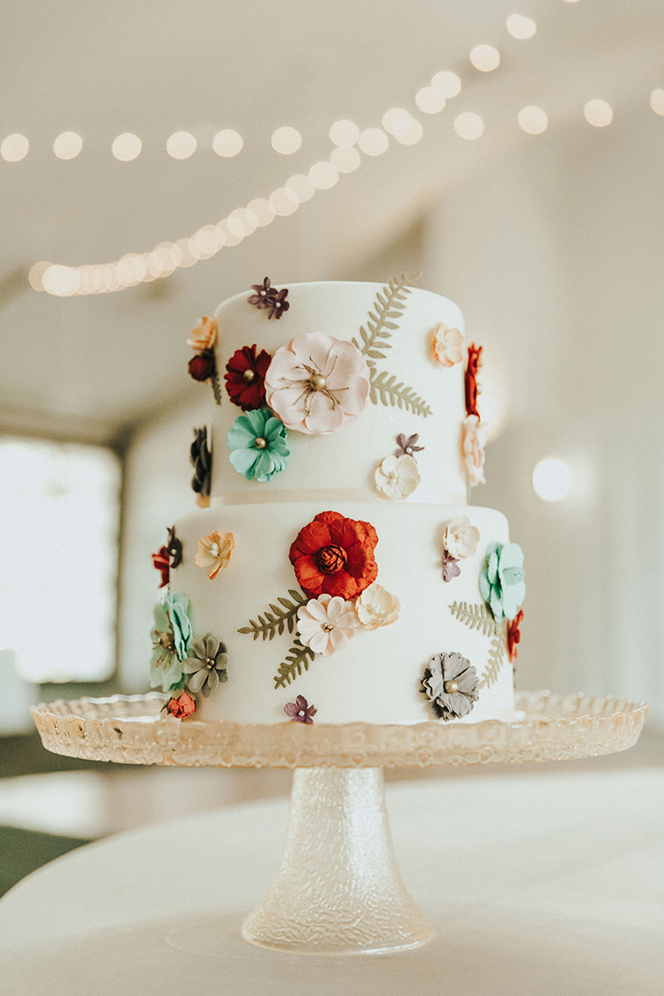 Floral Wedding Cake | photo by Deltalow | featured on I Do Y'all