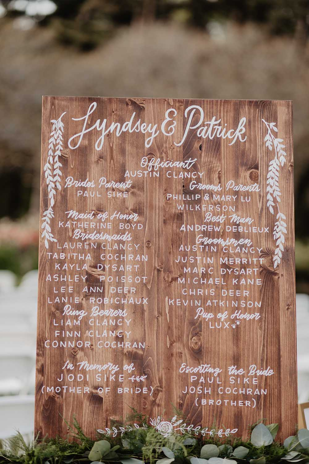 Wooden Wedding Party Sign | photo by Emily Green Photography | featured on I Do Y'all