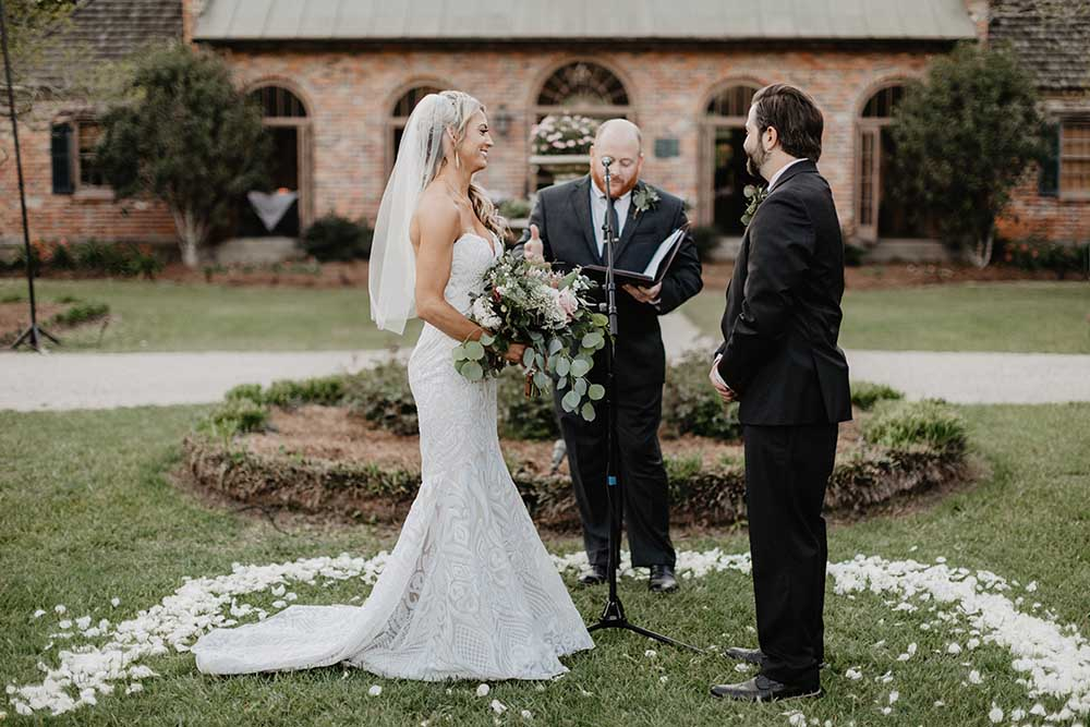 Wedding Ceremony with White Roses | photo by Emily Green Photography | featured on I Do Y'all