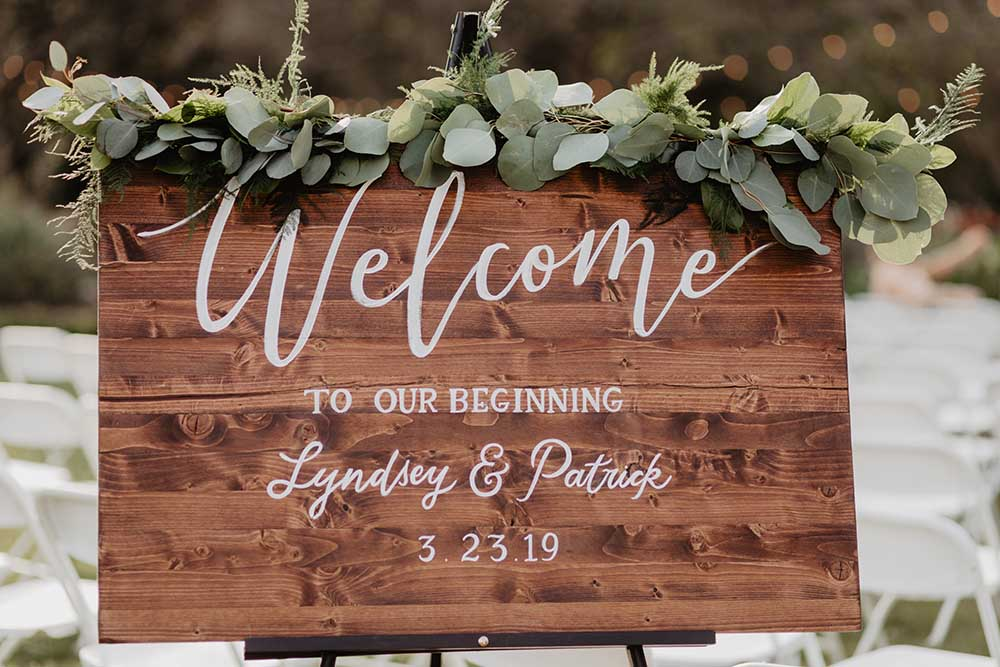 Wooden Wedding Welcome Sign | photo by Emily Green Photography | featured on I Do Y'all