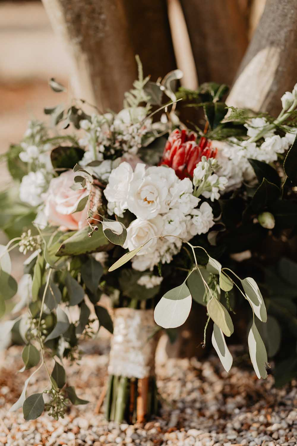 Romantic Lush Wedding Bouquet | photo by Emily Green Photography | featured on I Do Y'all