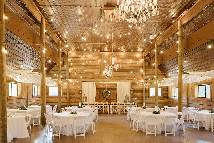 Rustic Wedding Reception at The Venue at Southern Oaks | photo by Hannah Stewart Photography | featured on I Do Y'all