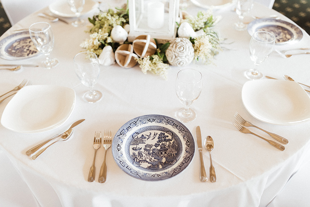 Blue & White China for Wedding Tableware | photo by Ash Simmons Photography | featured on I Do Y'all