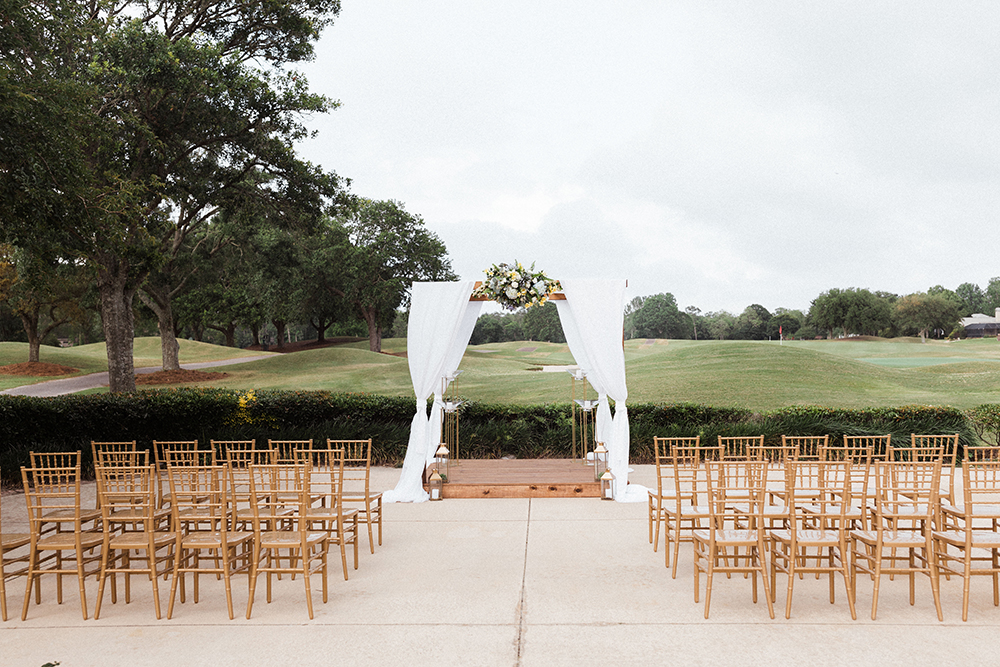 Golf Course Wedding Ceremony | photo by Ash Simmons Photography | featured on I Do Y'all