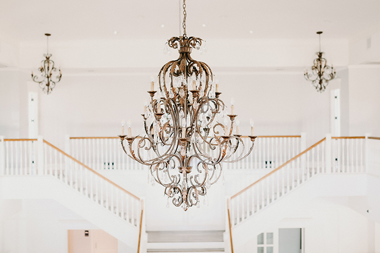 Chandeliers at Wedding Venue Kendall Point | photo by Pendo Photography | featured on I Do Y'all