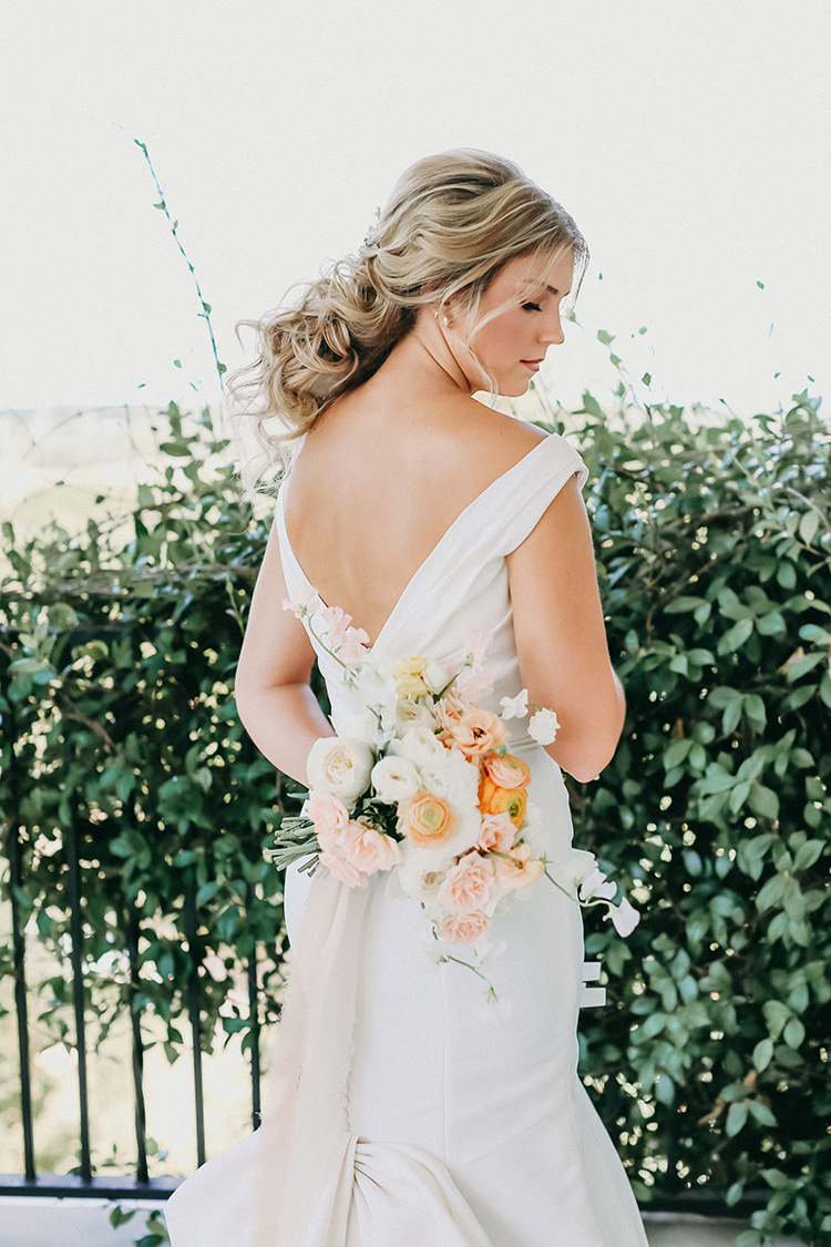 Peachy Classic Bridal Look | photo by Pendo Photography | featured on I Do Y'all