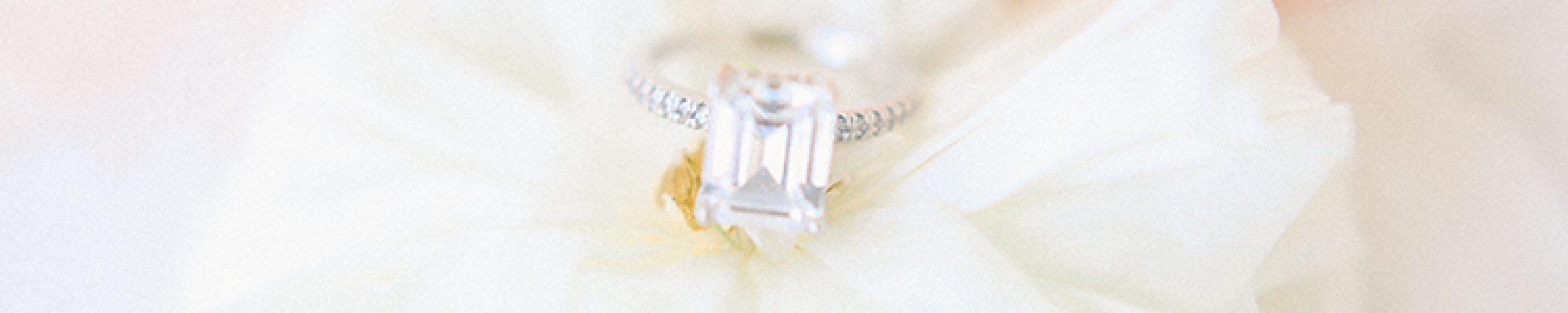 A Peachy Modern Take on the Classic Bridal Shoot 8