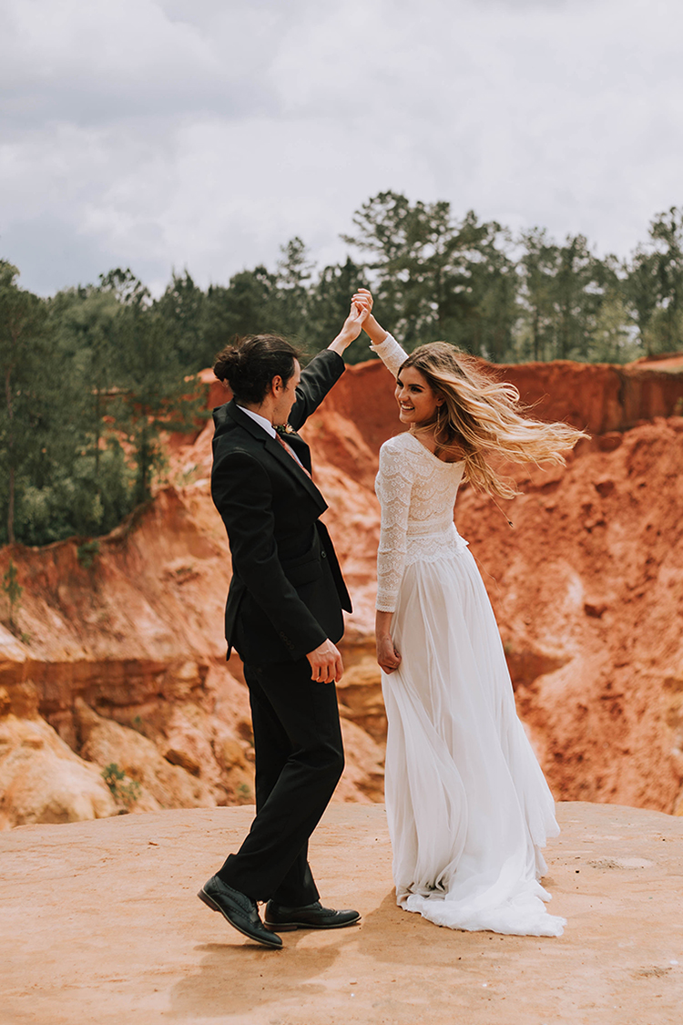 First Dance at Dreamy Boho Red Bluff Elopement | photo by The Youngs | featured on I Do Y'all