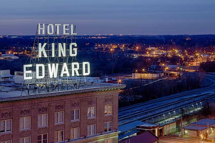 Historic Mississippi Wedding Venue | King Edward Hotel in Jackson, MS | featured on I Do Y'all