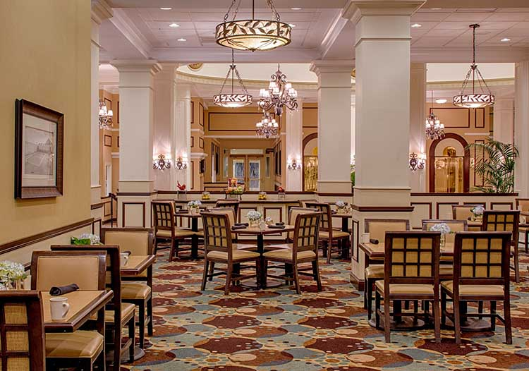 King Edward Hotel Grille in Jackson, MS | featured on I Do Y'all