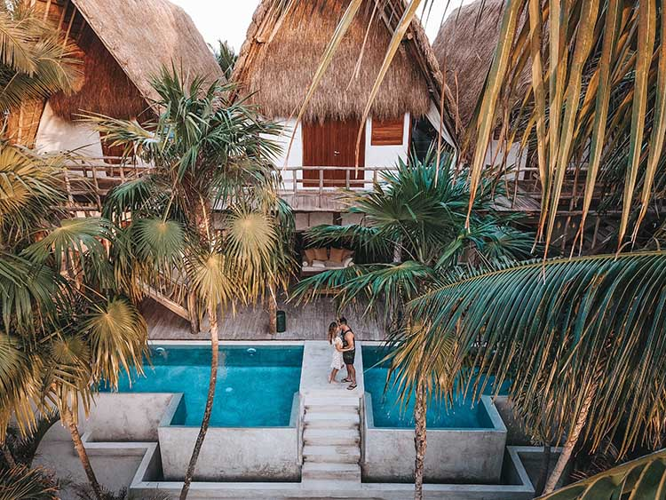 Tropical Honeymoon Location | photo by Roberto Nickson | featured on I Do Y'all