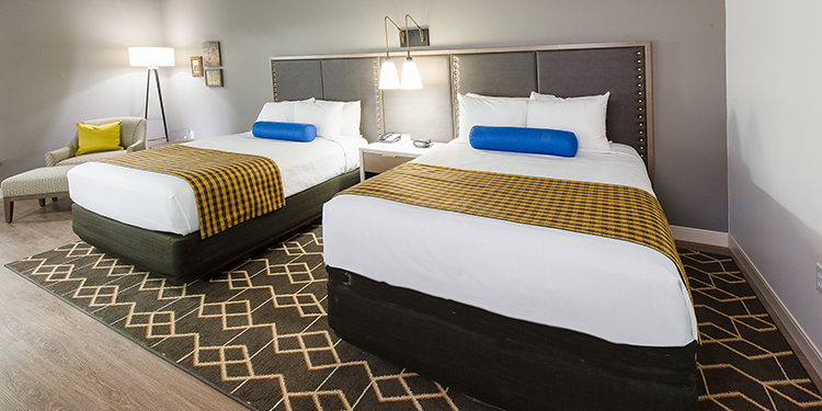 Modern Hotel Rooms at Hotel Indigo | Wedding Location Convenience featured on I Do Y'all