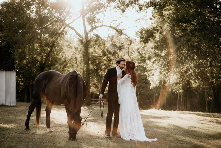 Wedding Portraits with Horse | photo by Shelbi Ann Imagery | featured on I Do Y'all