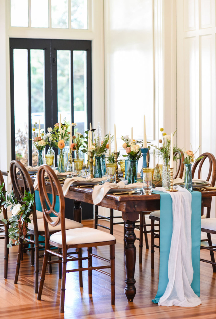 Intimate Turquoise & Gold Wedding Dinner | photo by Radiant Photography by Sydney Danielle