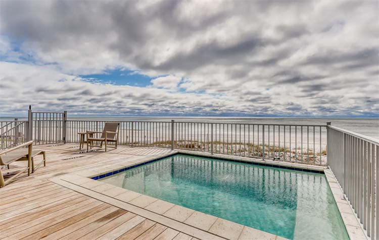 Private Pool at Beach House for Wedding with Vacasa   featured on I Do Y'all