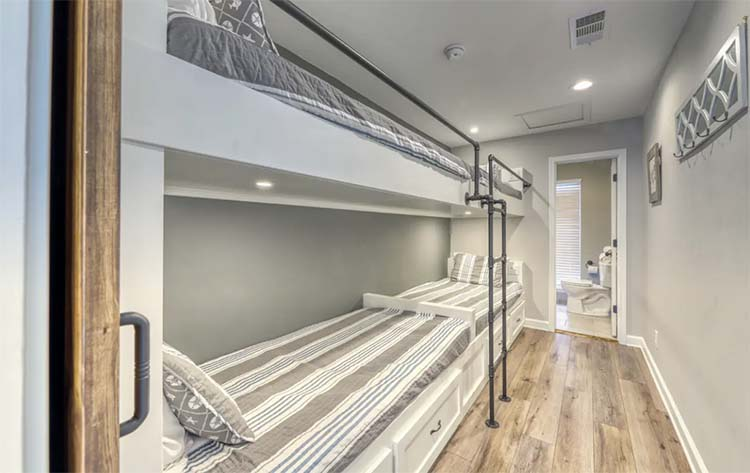 Hallway Bunk Beds at Beach House for Wedding Weekend with Vacasa   featured on I Do Y'all
