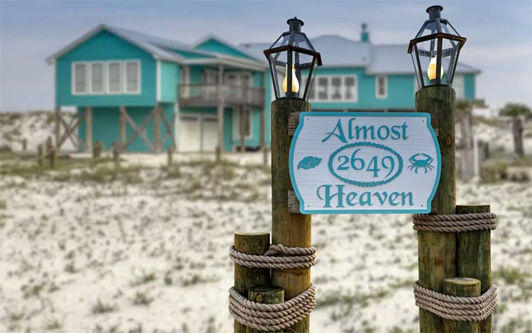 Almost Heaven beach house in Orange Beach, Alabama from Vacasa | featured on I Do Y'all