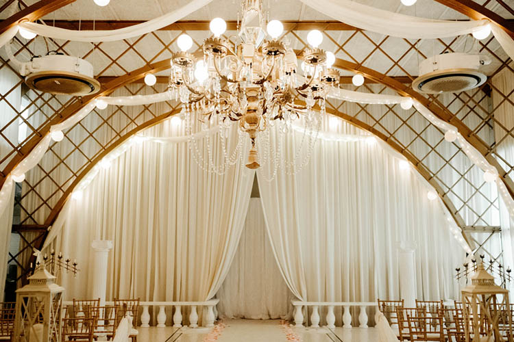 Glamorous White & Gold Wedding Ceremony | photo by The Portos