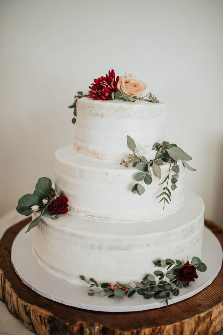 White Rustic Wedding Cake | photo by Jessica Lee Photographic Art