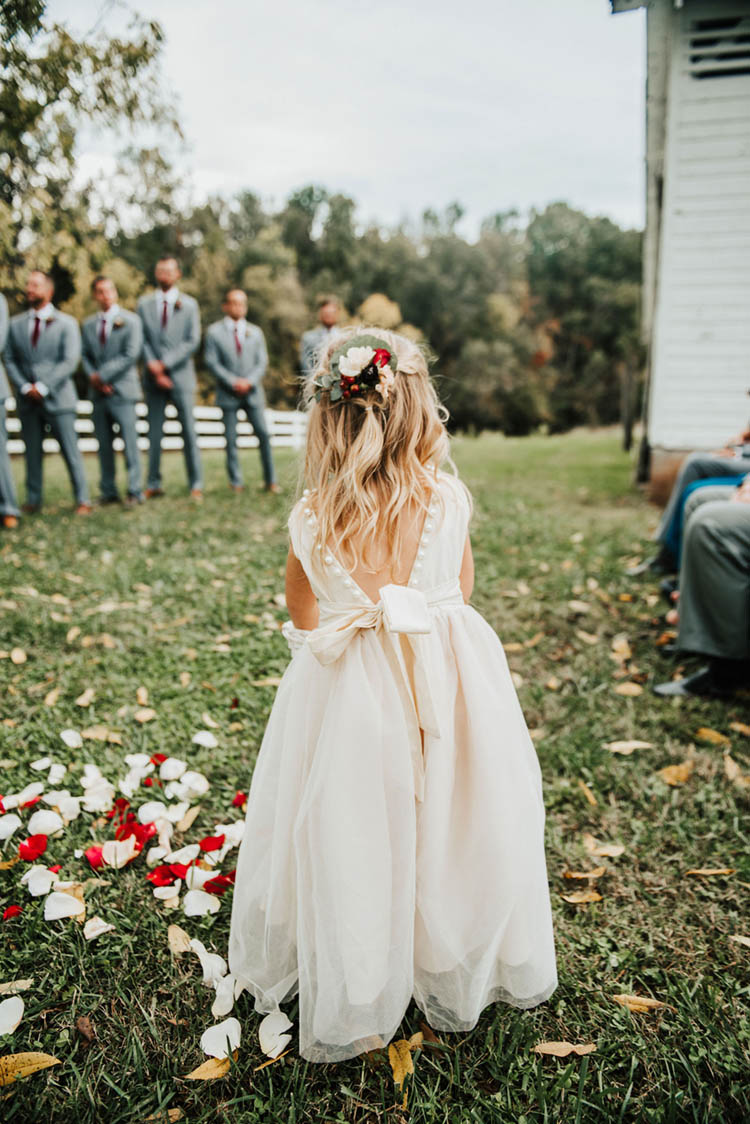 Cute Flower Girl Dress for Fall Wedding | photo by Jessica Lee Photographic Art