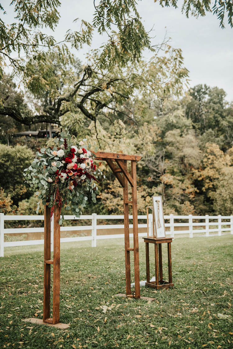 Wooden Wedding Arch for Fall Wedding | photo by Jessica Lee Photographic Art