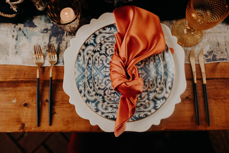 Silk Wedding Napkins Tied in Knot | photo by Boote Photography Studio