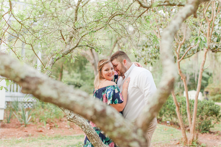 Sweet Couple Poses | photo by Anna Filly Photography